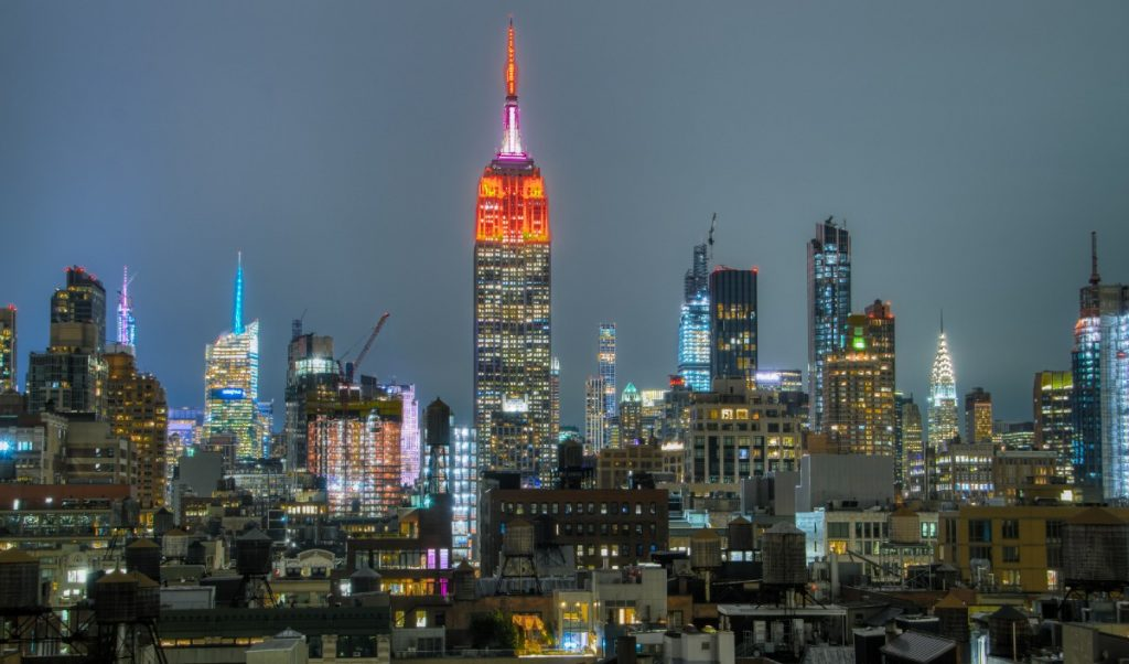 The Empire State Building Will Light Up Red Tonight To Celebrate The Return Of Broadway