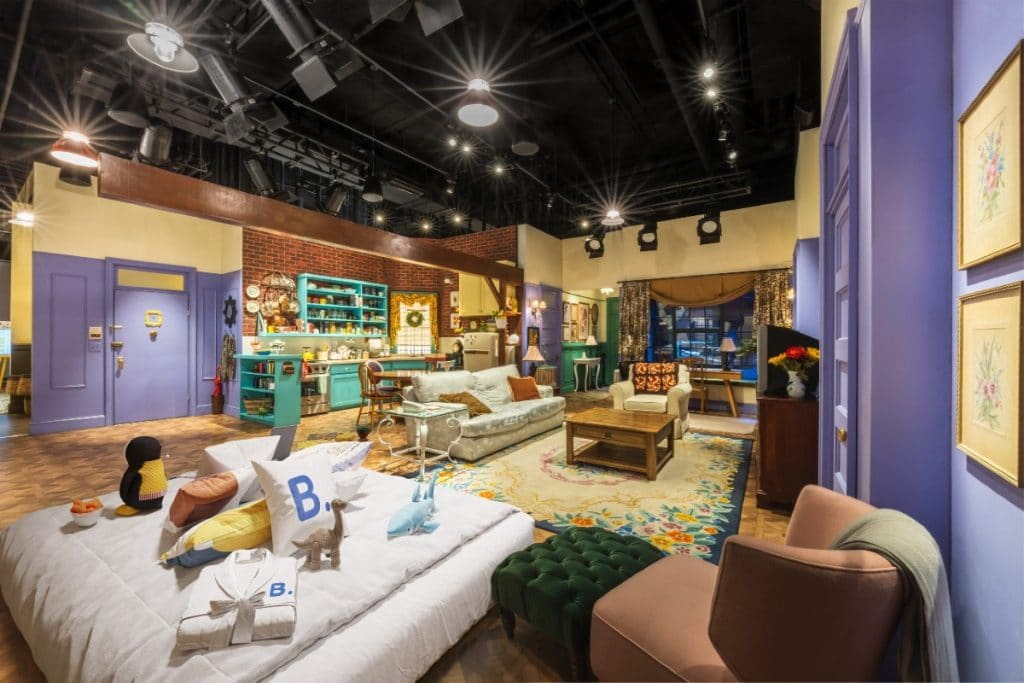 You Can Have A Once-In-A-Lifetime Sleepover In Monica & Rachel's Apartment At The Friends Experience