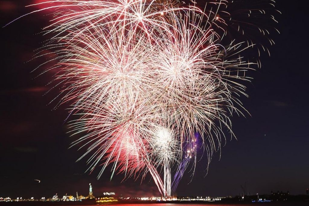 20 Stunning Moments From Last Night's Surprise Fireworks Over NYC Honoring Essential Workers