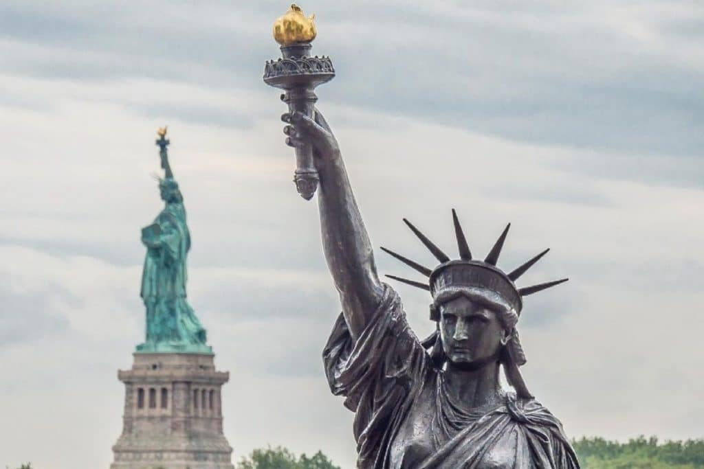The Statue Of Liberty's Little Sister Has Arrived In New York All The Way From France