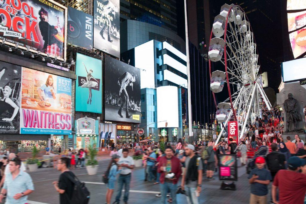 A 110-Foot-Tall Ferris Wheel Has Taken Over Times Sqaure