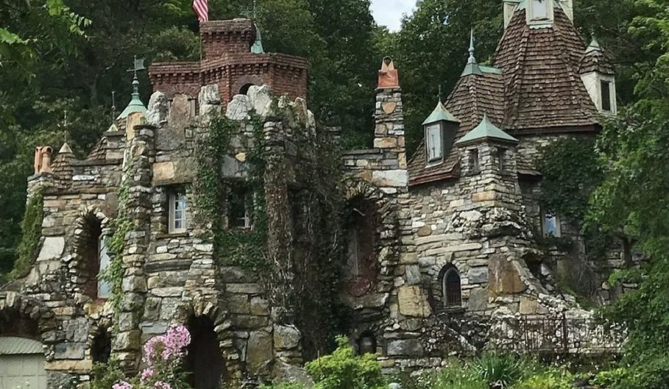 This Castle Bed & Breakfast In Upstate NY Will Transport You To A Fairytale Wonderland